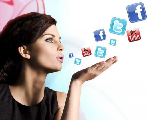 Women-flocking-to-Social-Media